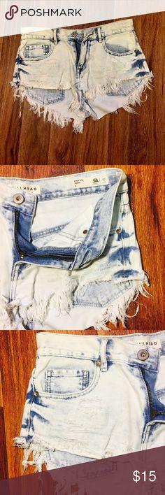 BULLHEAD SHORTS BULlHEAD High Rise Distressed Shorts Size-5  Lightly Worn Bullhead Shorts Jean Shorts