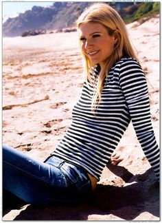 Gwenyth Paltrow ~ casual fashion ~ stripes!