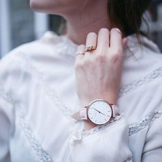 The soft pink straps and the Bowery design are the perfect match for adding a classic, girly touch to any outfit. ✨  #pink #softpink #pinkwatch #leatherwatch #bowery #fashion #outfit #outfitoftheday #postoftheday #instafashion #girls #love #pinktouch #sophisticated #classic #classy #rosefield #rosefieldwatches #amsterdam #newyork #nyc