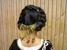 Hair idea for housebook dress. (Three housebook style is wacky)