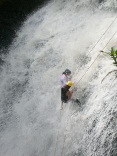 Dentro de la cascada!