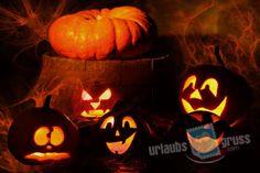 Halloween Postkarte mit leuchtenden Kürbis. Alle Urlaubsgruss.com Halloween Vorlagen findet Ihr in unserer Vorlagen Gallerie auf der Urlaubsgruss.com Webseite und den Urlaubsgruss Apps für iPhone und Android