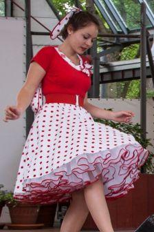 Polka dot skirt and white petticoat Rockabilly Mode, Rockabilly Fashion, Skirt Outfits, Dress Skirt, Coat Dress, Cool Halloween Costumes, Women Halloween, Fun Costumes, Halloween 2018