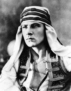 -Rudolph-Valentino-The-Son of the Sheik-