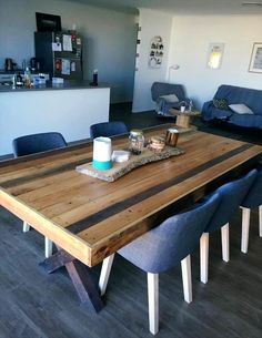 8-people-sturdy-pallet-dining-table-with-criss-cross-legs.jpg (720×932)