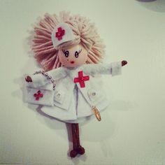 Broche de muñeca enfermera