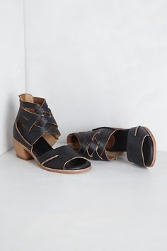 Donya Sandals by Gee Wawa