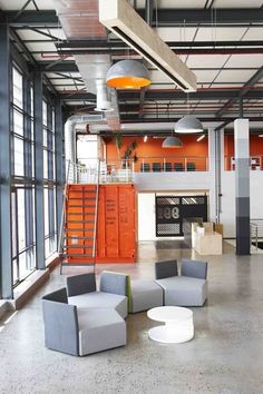 99c Modern Office Interior Design w/shipping containers