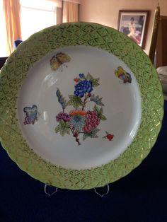 Hand painted porcelaine green plate- Herend pattern Herend motifli porselen yeşil tabak- el boyaması.