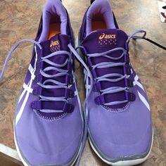 Asics shoes barely wore! Lightly worn Asics shoes!!! Size 9 asics Shoes Athletic Shoes