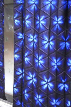 17 best images about shibori tie dye on Shibori Fabric, Shibori Tie Dye, Japanese Textiles, Japanese Fabric, Tie Dye Folding Techniques, Shibori Techniques, Textile Dyeing, Tie Dye Patterns, Indigo Dye