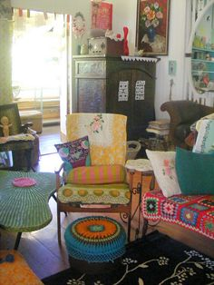 Best Granny Chic Home Decor Ideas Picture 16 – Home and Apartment Ideas Bohemian Interior, Bohemian Decor, Granny Chic Decor, Estilo Kitsch, Deco Boheme, Diy Décoration, Eclectic Decor, My Living Room, Home Decor Styles