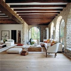 We love the light and the curved lines and the lighter wood beams. inspiration architecture 24 Foyers You'd Be Happy to Come Home to Spanish Style Homes, Spanish House, Spanish Style Interiors, Spanish Style Decor, Hacienda Style Homes, Spanish Revival Home, Spanish Interior, Interior Modern, Style At Home