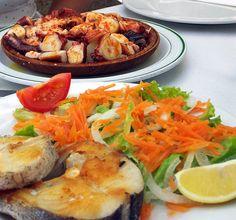 Menú : 1° polbo á feira, 2° Caldeirada de pescada do pincho e 3º postre a elexir.