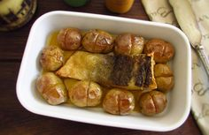 Cod 'à lagareiro' (cod with olive oil and baked potatoes)