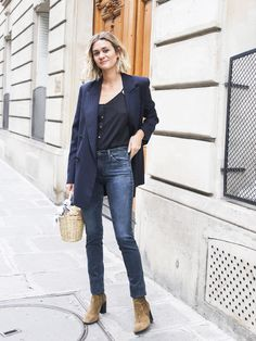 A menswear blazer is that piece that feels like it was almost made for French women, right? The third piece pulls together any look, especially this one that Mais is wearing. She paired her blazer with her AG skinnies and cami, creating that chic French editor vibe that is always in style.