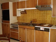 another lovely 70s kitchen!