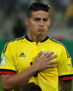 Colombia's James Rodriguez poses before the 2018 World Cup qualifier football match against Peru in Lima on October 10 2017 / AFP PHOTO / Ernesto...