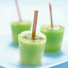 Cheerfully pale grass green hued Kiwi Fruit Ice Pops. #popsicles #kiwi #food #ice #pops #summer #green #fruit