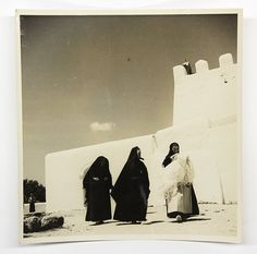 Església de Sant Jordi, any 1935 - Foto: Reynaldo Luza Ibiza Formentera, Traditional Clothes, I Fall In Love, Old Things, Tropical, Architecture, Instagram, Scrappy Quilts, Beautiful Things