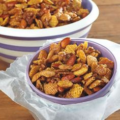Caramel Snack Mix Recipe - - Caramel Snack Mix Recipe recipes to try Blend butter with cereal and toasted nuts to make this sweet cocktail munchie that disappears by the handful. Snack Mix Recipes, Appetizer Recipes, Great Recipes, Dog Food Recipes, Cooking Recipes, Favorite Recipes, Snack Mixes, Yummy Recipes, Chex Recipes