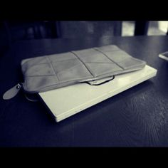 Daliy Clutch bag  @ Claude Laurent
