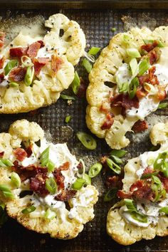 Loaded Cauliflower Bites Crispy slices of roasted cauliflower topped with cheese, sour cream and bacon make a tasty low-carb alternative to classic loaded potato skins. Low Carb Recipes, Diet Recipes, Vegetarian Recipes, Cooking Recipes, Healthy Recipes, Recipies, Healthy Food Alternatives, Carb Alternatives, Vegetarian Grilling