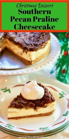 Easy and make-ahead Southern Pecan Praline Cheesecake is everything a cheesecake should be and includes a delicious and decadent pecan praline topping. It's the perfect Christmas dessert! via christmas desserts healthy Pecan Desserts, New Year's Desserts, Cute Desserts, Thanksgiving Desserts, Christmas Desserts, Delicious Desserts, Dessert Recipes, Christmas Ideas, Thanksgiving Ideas
