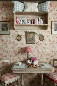 English Cottage Style, English Country Decor, Country Interior, Cottage Style Homes, Shabby Chic Farmhouse, Shabby Chic Kitchen, Shabby Chic Cottage, Farmhouse Decor, Vintage Bedroom Styles