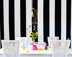 24 Bold Ideas for Striped Walls