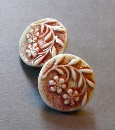 Image of Sweet Floral Shank Button Set in Celadon & Red