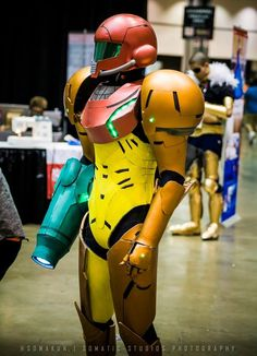Samus Cosplay - Candid - Metroid: Other M - Samus Aran