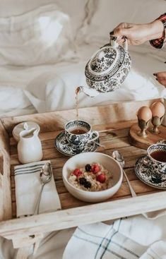Super Breakfast In Bed Photography Brunch Ideas - Food Recipe Breakfast Photography, Food Photography, Morning Photography, Brunch Mesa, Breakfast In Bed, Breakfast Pancakes, Breakfast Burritos, Pumpkin Spice Cupcakes, Gelato