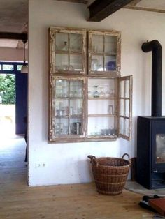 Furniture Makeover, Diy Furniture, Old Window Frames, Repurposed Furniture, Home Projects, Barn Wood Projects, Living Room Decor, Diy Home Decor, Sweet Home