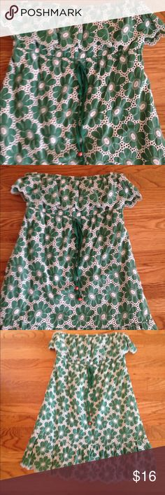 Strapless dress gently loved.  In good condition Beautiful green and white strapless dress purchased from Belks juniors department.  In great condition Dejavue Dresses Strapless