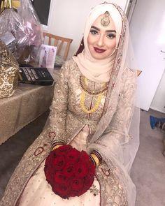 New bridal dresses muslim hijab bride ideas Hijabi Wedding, Muslimah Wedding Dress, Pakistani Wedding Outfits, Hijab Bride, Muslim Brides, Pakistani Wedding Dresses, Bridal Outfits, Muslim Couples, Indian Muslim Bride