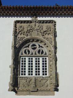 Janela Estilo Manuelino by Helena Compadre, via Flickr ~ Pormenor Casa dos Coimbras - Braga ~ Portugal