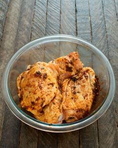 This one pot chicken and dirty rice is a dish washing hater's dream! The chicken is cooked on top of the rice for the most flavorful dish ever! Crockpot Recipes, Chicken Recipes, Cooking Recipes, Healthy Recipes, Chicken Meals, Pan Pork Chops, Fried Pork Chops, Baked Teriyaki Chicken, Pork Chop Dinner