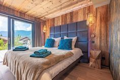 Chalet Largo - villa Chalet Largo Megeve | Isle Blue Mountain Home Exterior, Alpine Style, Shared Bathroom, Workout Rooms, Double Beds, Great Rooms, Luxury Homes, Sweet Home, Indoor