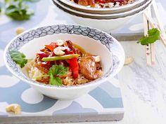 Possuviipaleet ja kasvikset hapanimeläkastikkeessa on helppotekoinen suosikkiruoka menneiltä vuosilta. Tarjoa lisukkeena keitettyä riisiä tai nuudeleita.