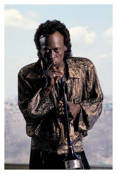 Miles Davis, New York City, 1988 Ebert Roberts Miles Davis, Jazz Artists, Jazz Musicians, Music Artists, Reggae Artists, All About Music, New Music, Smooth Jazz, Jazz Blues