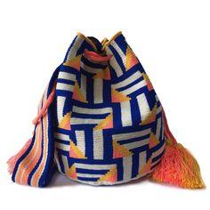 Tapestry Bag, Tapestry Crochet, Knit Crochet, Mochila Crochet, Ethnic Bag, Fendi Bags, Crochet Purses, Crochet Accessories, Beautiful Bags