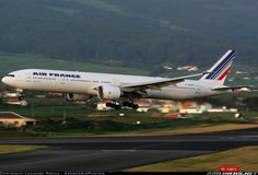 Air France F-GSQT Boeing 777-328/ER aircraft picture