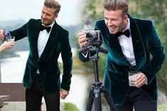We have chosen top 8 out of the David beckham suits. The classic David beckham outfit is for wedding,meeting or parties. Velvet Blazer Mens, Velvet Suit, Velvet Jacket, David Beckham Suit, David Beckham Style, Stylish Mens Fashion, Mens Fashion Suits, Men's Fashion, Unique Tuxedos