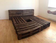 Pallet Beds, Pallet Furniture, Furniture Design, Bed Pallets, Wooden Diy, Living Room, Interior Design, Storage, House