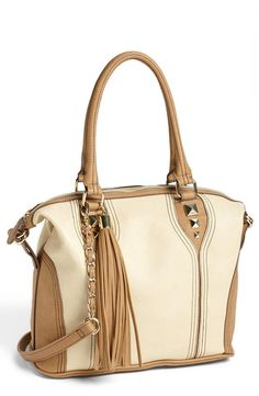 This is a great neutral satchel!