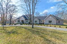 Photo of home for sale at 3315 South Thornridge Drive, Springfield MO