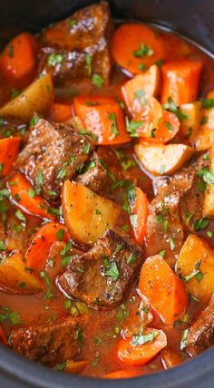 Slow cooker beef stew Everyone's favorite comforting beef stew made easily in the crockpot! The meat is SO TENDER and the stew is rich, chunky and hearty! Easy Beef Stew, Homemade Beef Stew, Beef Stew Meat, Beef Broth, Pork Stew, Stew Meat Recipes, Cooker Recipes, Crockpot Recipes, Easy Recipes