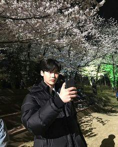 2017.04.14 Lee Jong Suk Instagram Update By @jongsuk0206