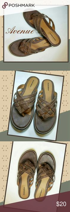 Avenue Cloudwalker Sandals Size 9W Good support in these Cloudwalker sandals by Avenue. Faux leather in a med brown with black rubber-like sole. These have never been worn, so listed as New Without Box. Avenue Shoes Sandals